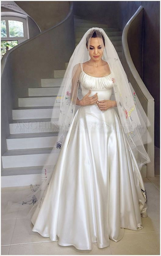 アンジェ、ウェディングドレス