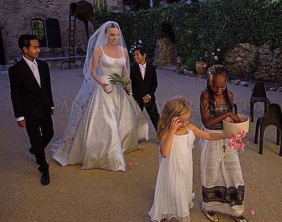 アンジェリーナ・ジョリー結婚式