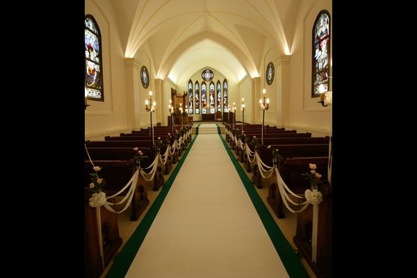 イルムの丘 聖マーガレット教会・バージンロード