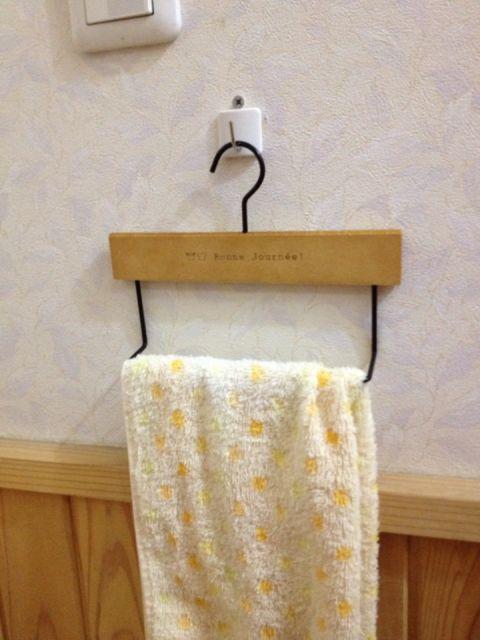 セリアのタオル掛けハンガー