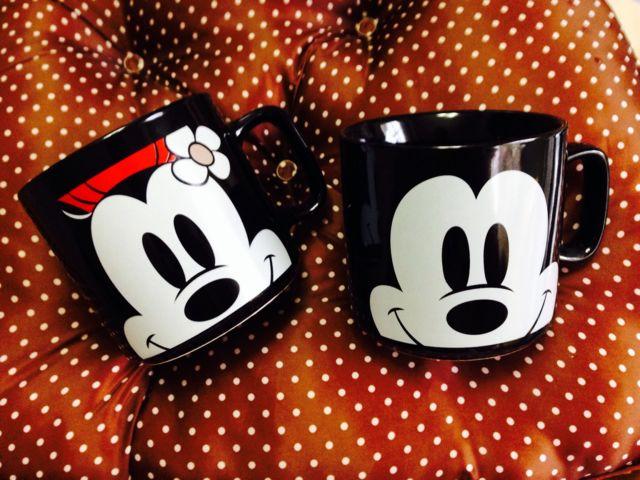セリアのミッキー・ミニーのマグカップ