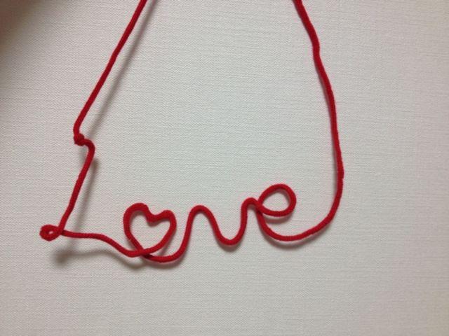 100均のカラーひもとワイヤーで作った赤い糸